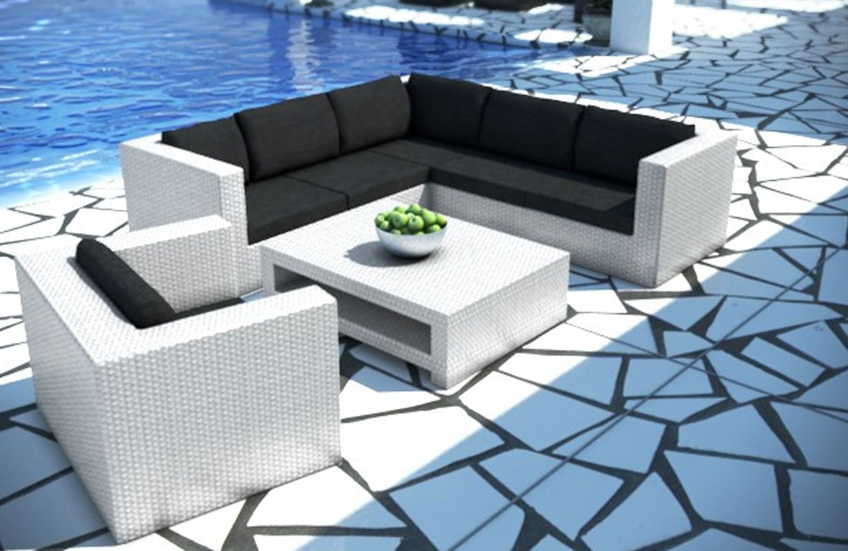 Rattan sofa lounge barcelona gartenset von nativo m bel for Rattan couchtisch